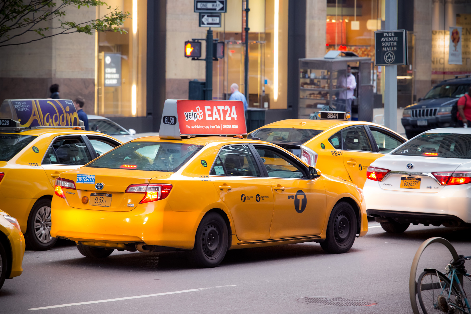 Gula taxibilar New York Alexa Produktion
